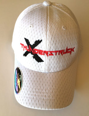 hat-wht-blk-red-youthfitted